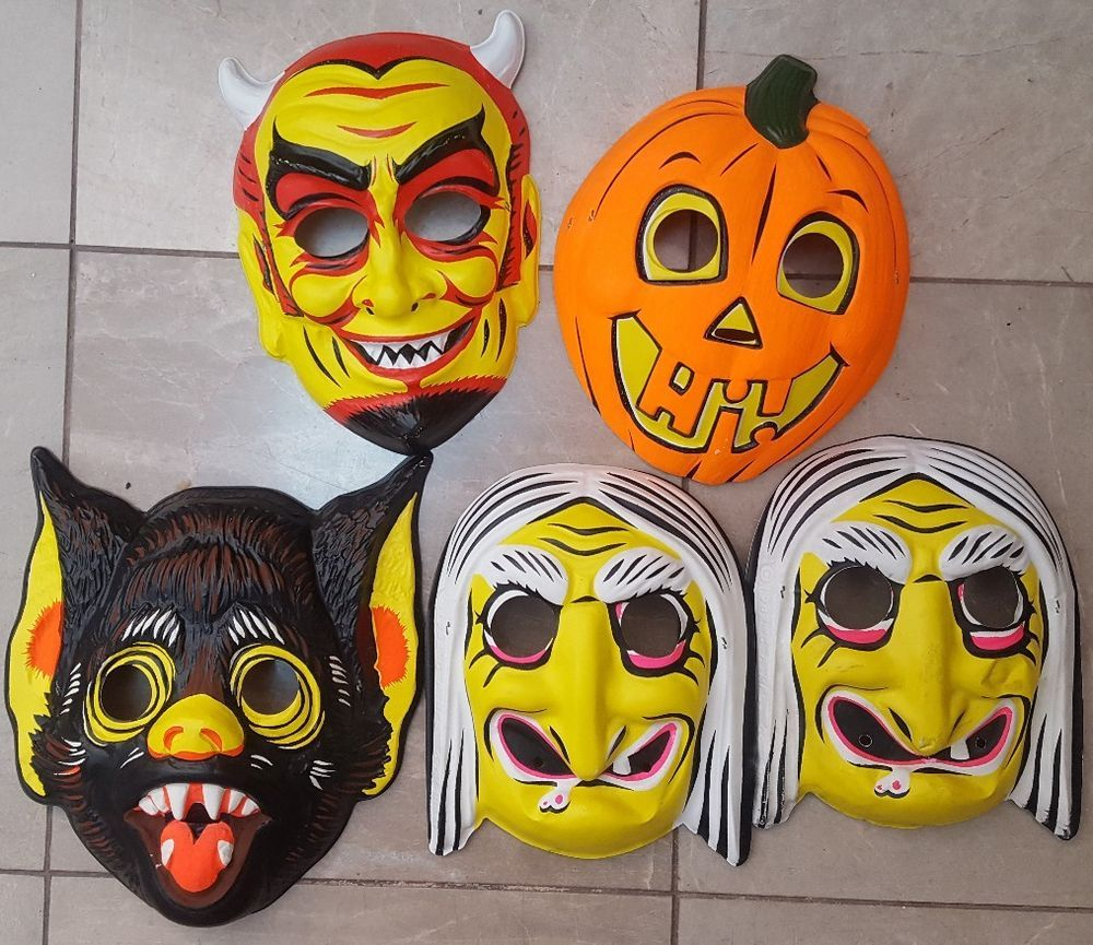 VINTAGE PLASTIC HALLOWEEN MASKS LOT C.F MFG 1980s