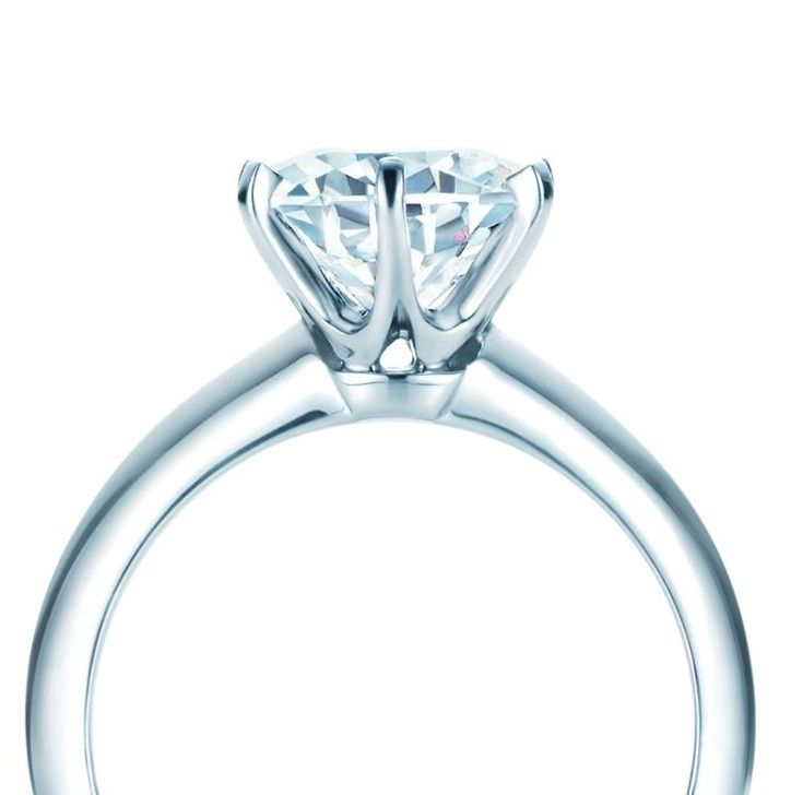 Classic 6 claw diamond engagement ring 6 claw collet