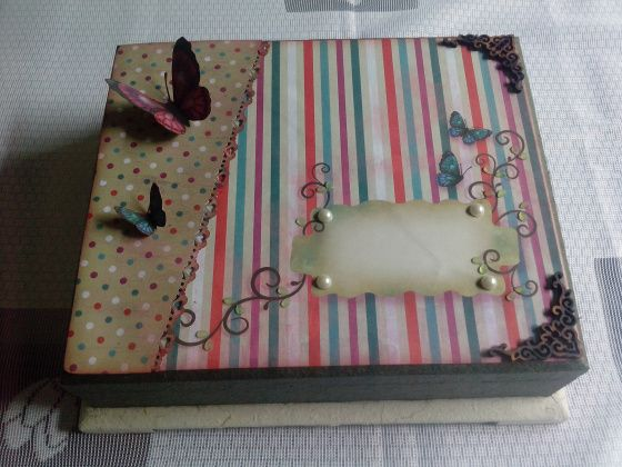 caixa com papel de scrap decor Litoarte