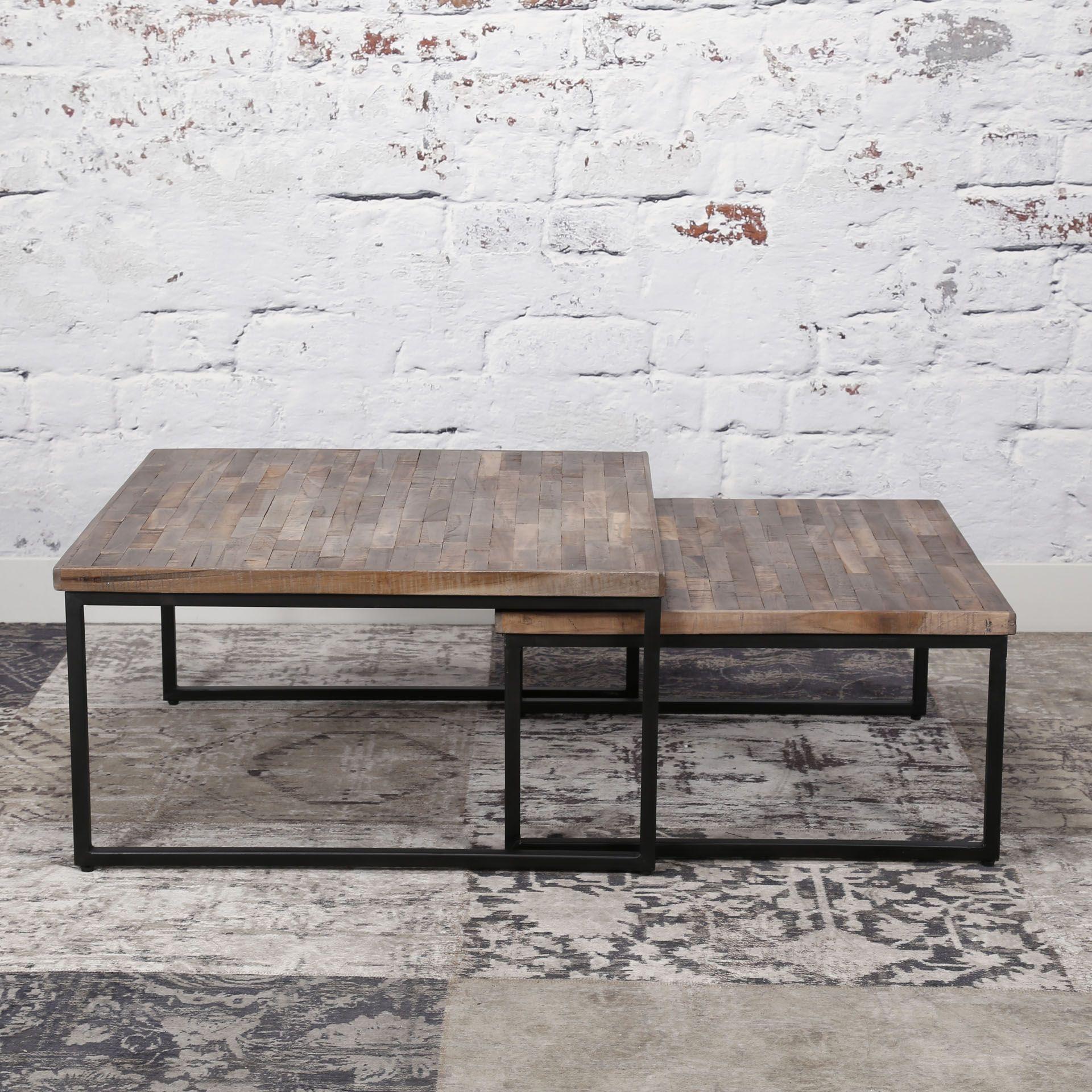 Table Gigogne En Bois Recycle Grise Et Metal Lot De 2 Style Industriel En 2020 Table Basse Table Basse Gigogne Decoration Etageres