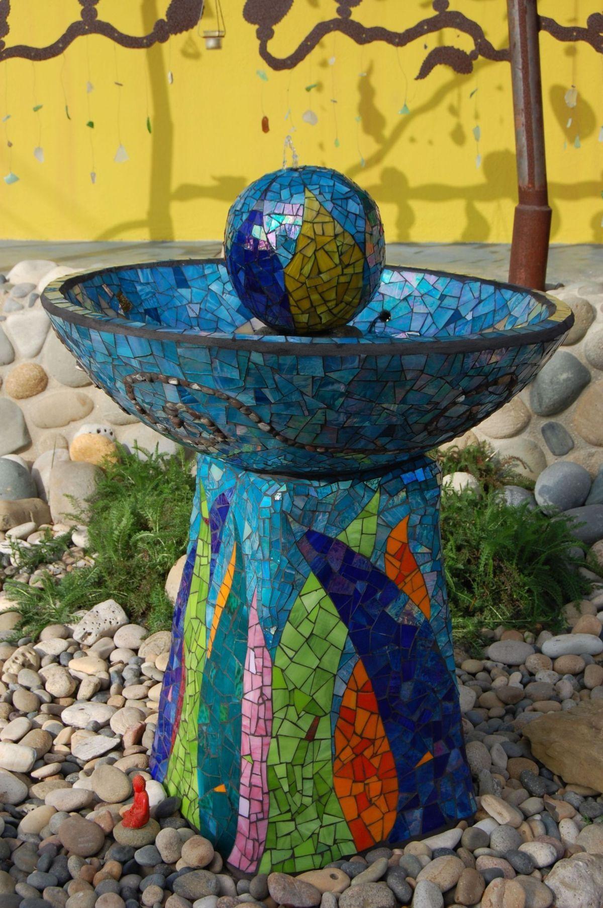 Mosaic garden water fountain water in the garden what for Mosaic ideas for the garden