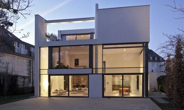 U201eKlarheit Und Einfachheit Sind Die Wichtigsten Anforderungen An Eine  Zeitlose Architektur, Die Sich An Den Prinzipien Der Klassischen Moderne  Orientiert.