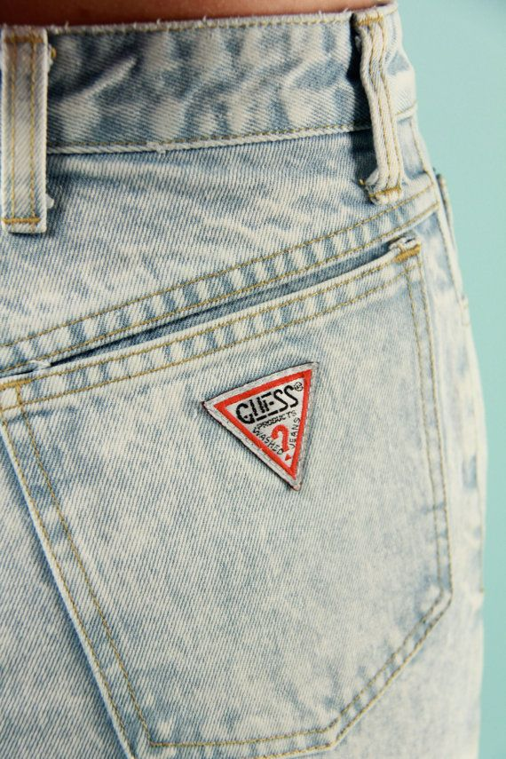1990'S GUESS DENIM SHORTS W LOGO PATCH