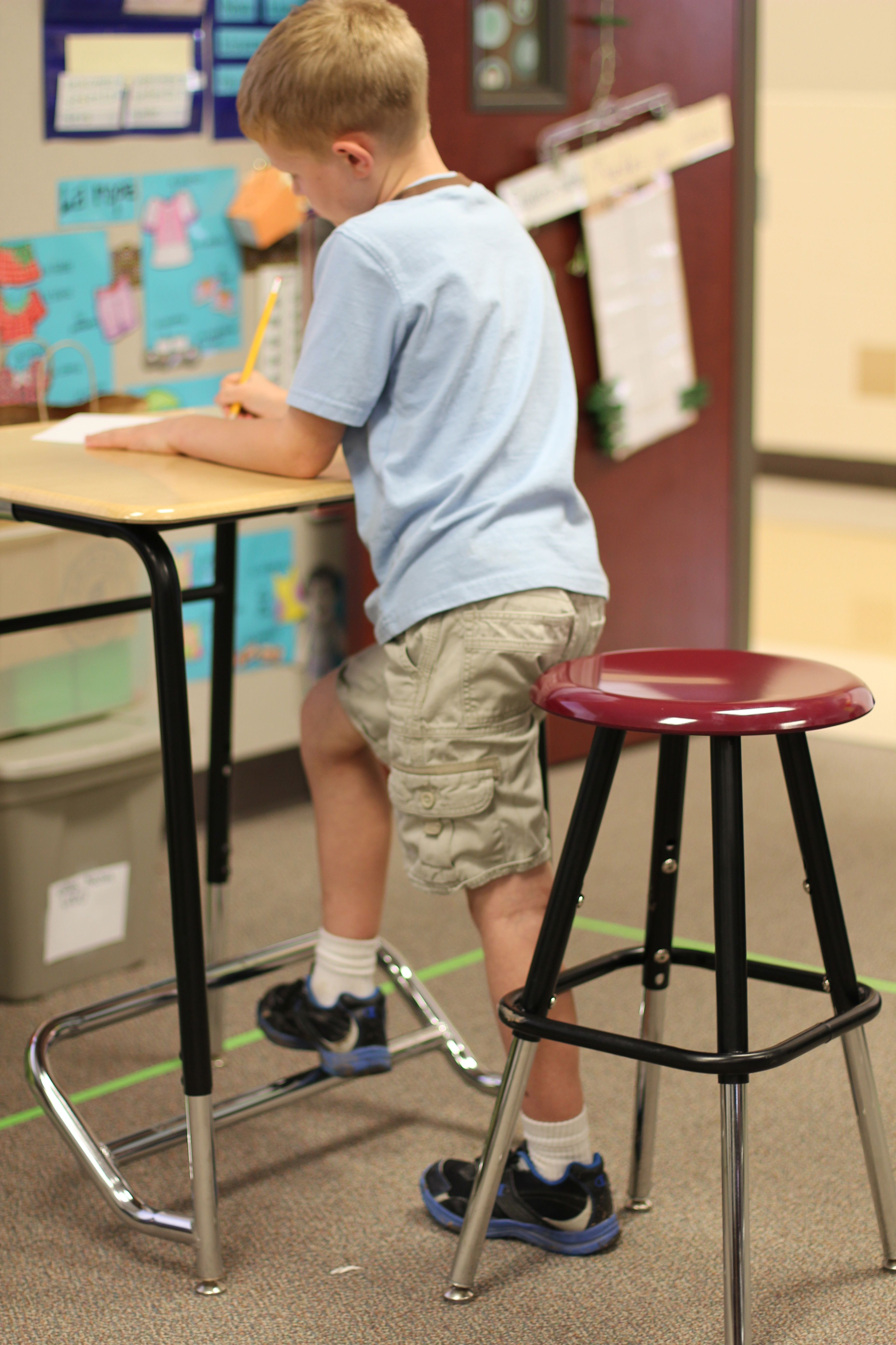 For home and classroomstanding desks for kids A