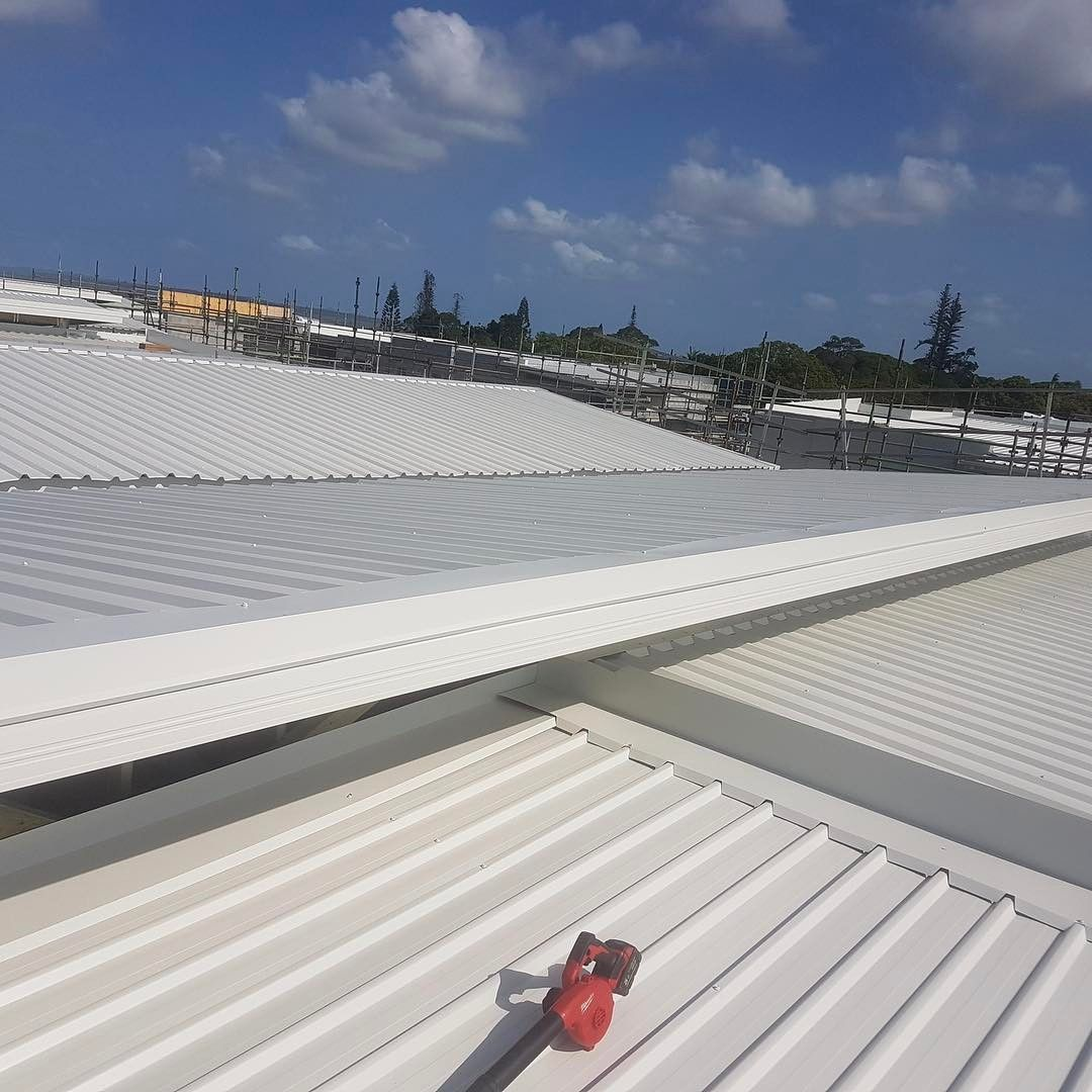 Colorbond sheets brisbane - Block Of Units At Cleveland Finished Up Today Roofing Roofinglife Colorbond Brisbanecleveland