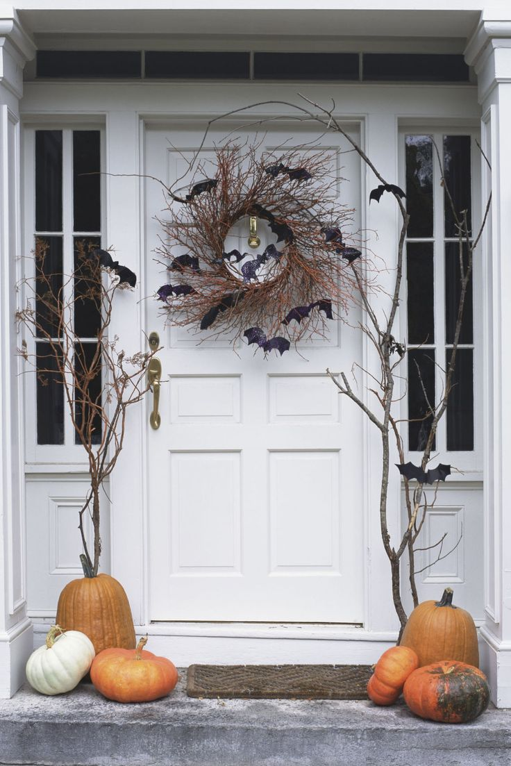 30+ Spooktacular Outdoor Halloween Decorations Front doors - Decorating For Halloween