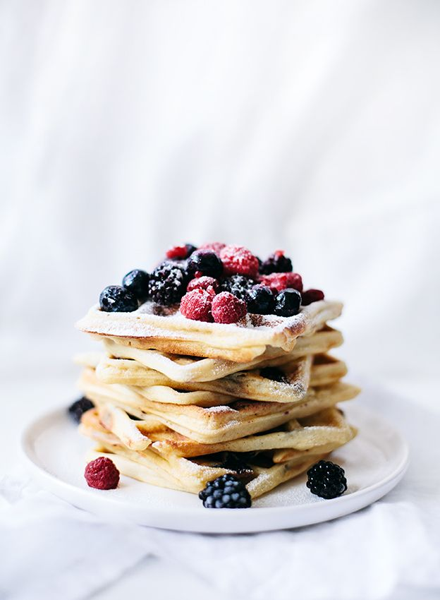 Blueberry Lemon Waffles - YUM | Eats + Treats | Pinterest | Desayuno ...
