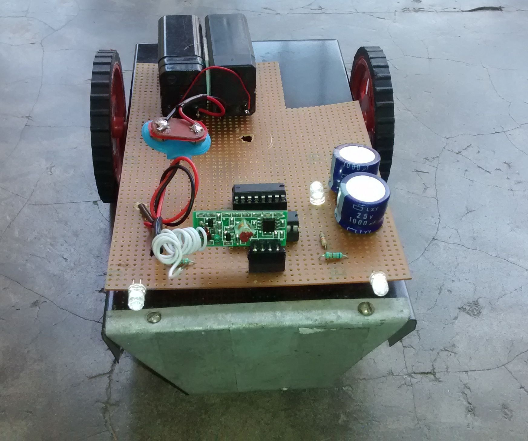 Homemade Rc Car Small Projects Pinterest Cars And Remote Controlled Dc Motor For Toy Circuit Diagram Circuits This Is My First Instructable So Please Bear With Me Guys I Loved Playing When Was Thought Of Making One Now Have Some