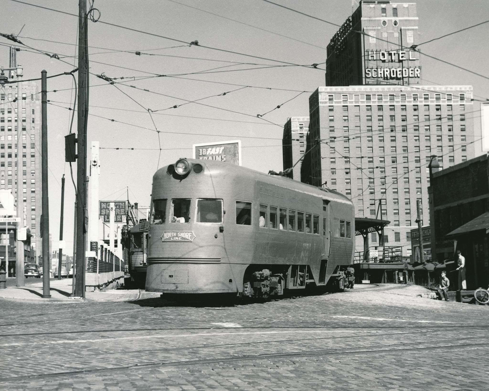 CNSu0026M Electroliner coming out of the Milwaukee