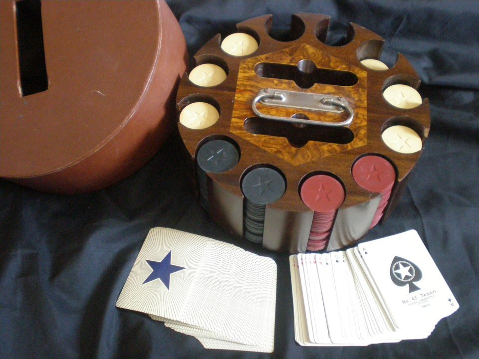 """""""Star"""" Clay Poker Chips & Cards"""