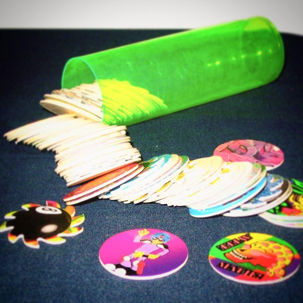 Does anyone still collect these? #throwback #tbt#throwbackthursday#90skid#90s #pogs #pogslammer#goodolddays#nostalgia #toystagram #toys #smyths #smythstoys