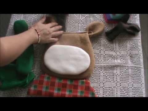El Rincon De Ana Maria Cubre Sillas Navideños Moldes Y Videos Autoria Y Credito En Las Fotos Papa Noel Indoor Christmas Decorations Christmas Diy
