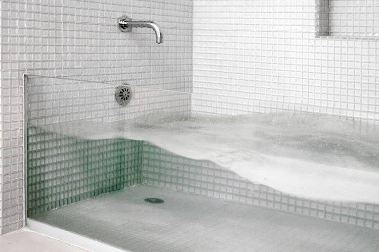 Latest In Luxury The See Through Bathtub Glass Bathtub Glass Tub Bathtub Trends