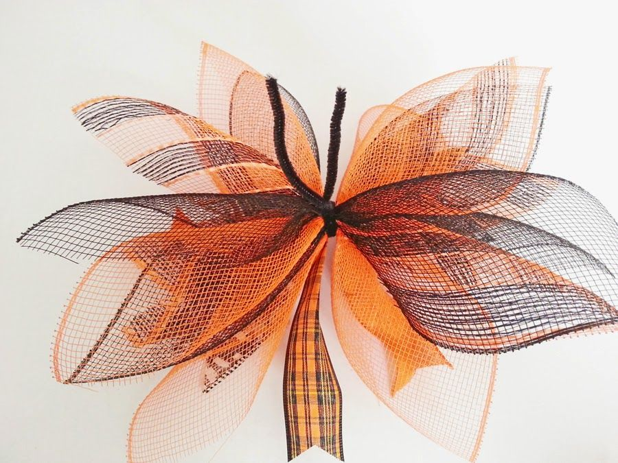 How to Make a Deco Mesh Sunburst Wreath