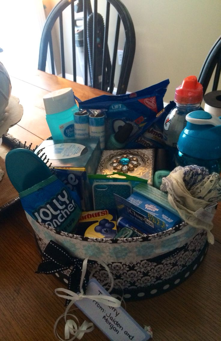 Blue Color Themed Gift Basket Gift Ideas Pinterest
