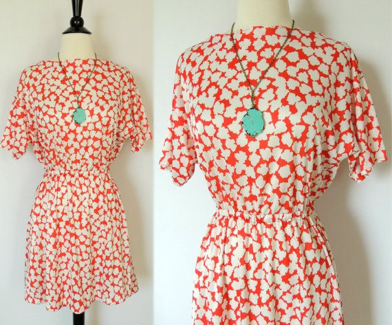 Vintage 70s Retro Mini Dress in Red and White