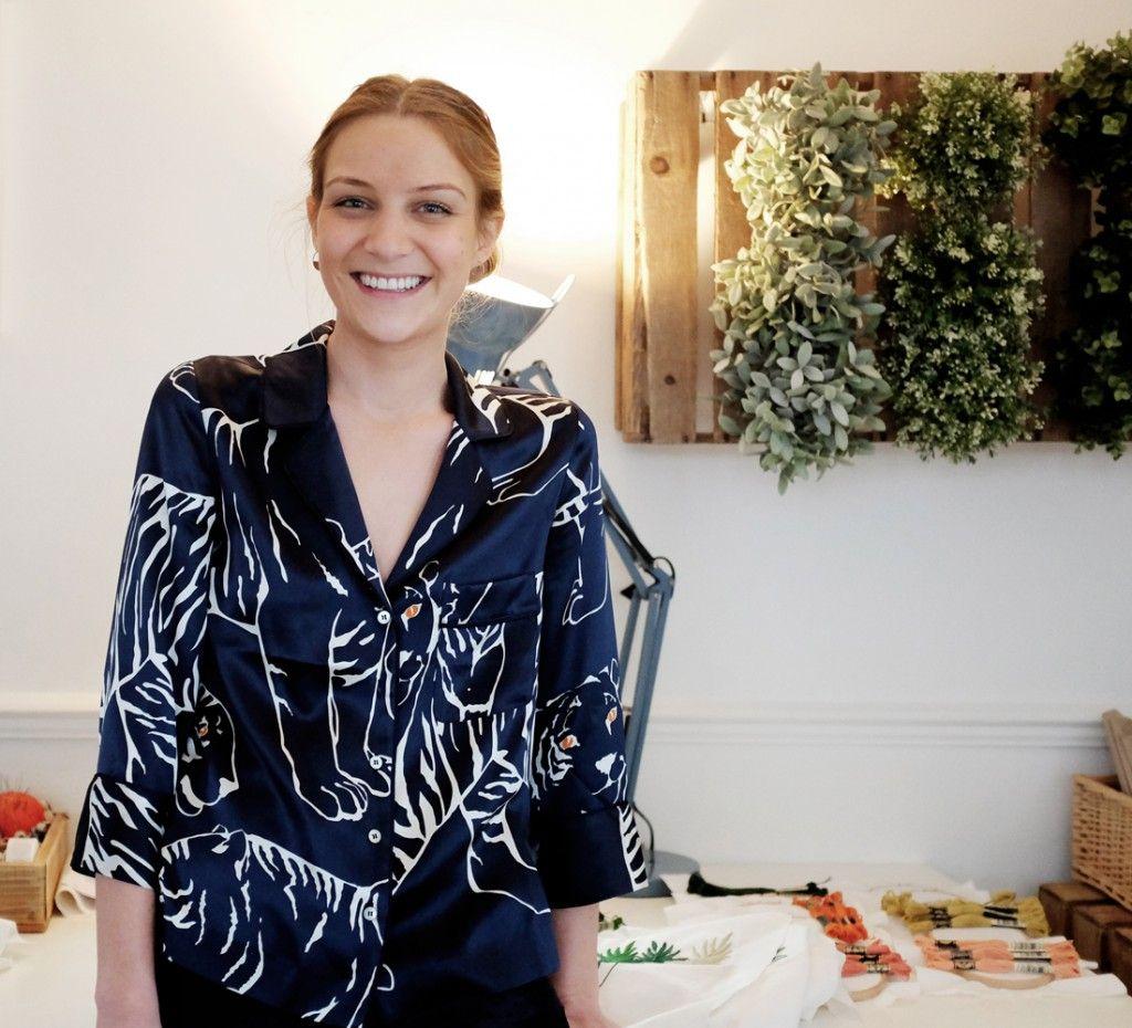 """Allons à la rencontre de Joanna Elisabeth, brodeuse et fondatrice de la boutique en ligne """"Sew and Saunders"""" ."""