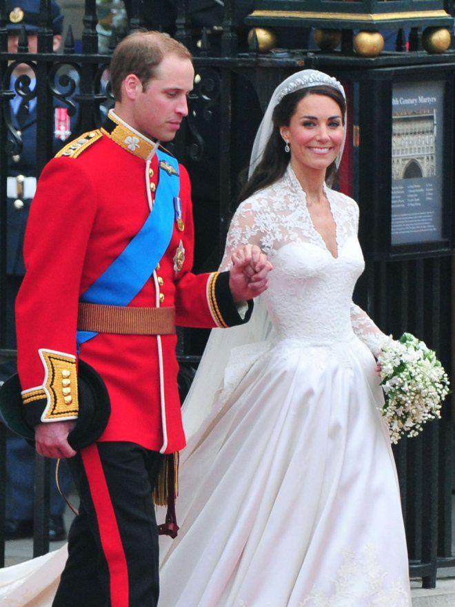 La Novia Kate Middleton Entra En La Abadía De Westminster Fotos De Guillermo De Inglaterra Y Kate Middleton El Día De Su Boda Kate Middleton Boda De Día Boda