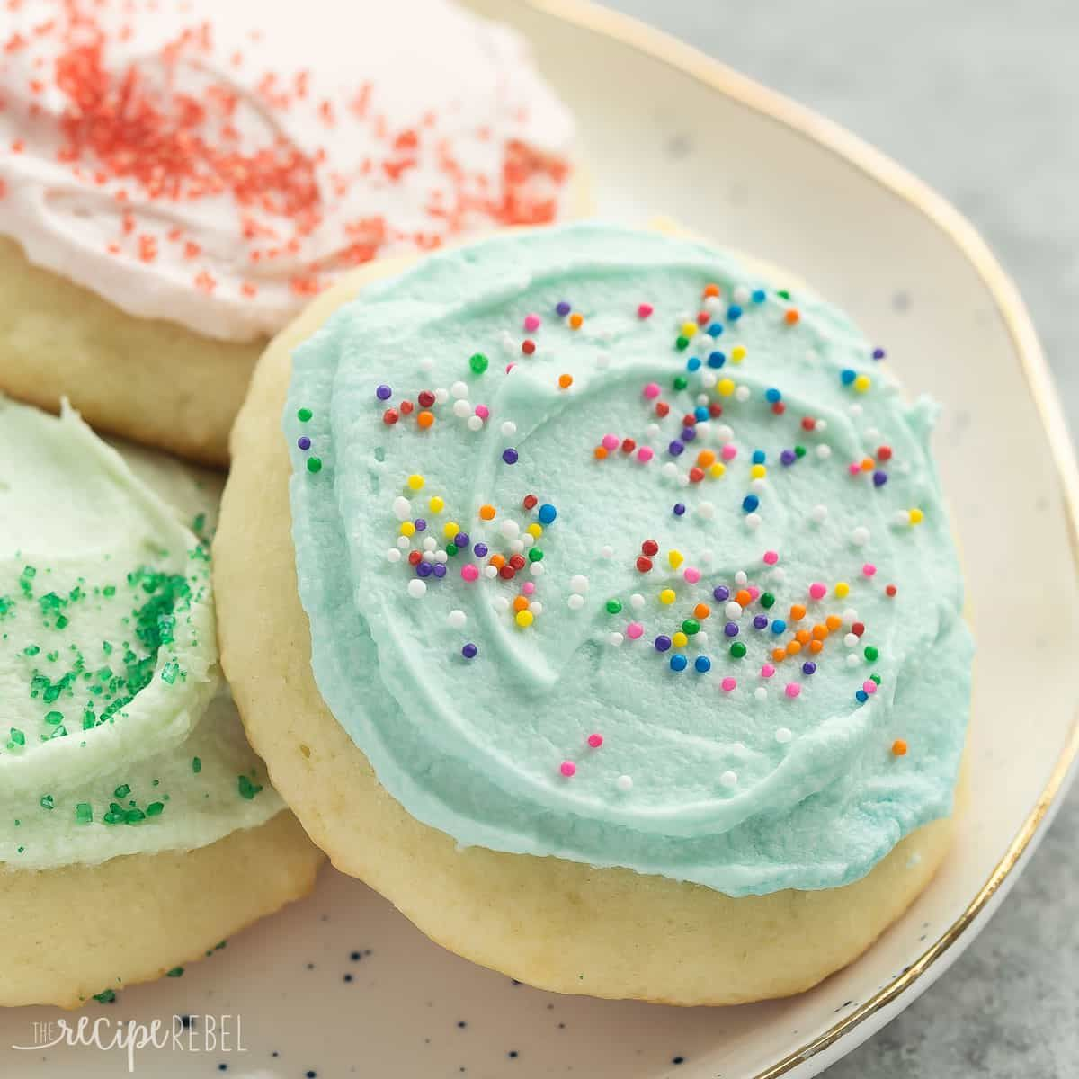 These Sour Cream Sugar Cookies Are Soft And Fluffy With Just The Right Amount Of Sweetness Sour Cream Cookies Sour Cream Sugar Cookies Sugar Cookies Recipe