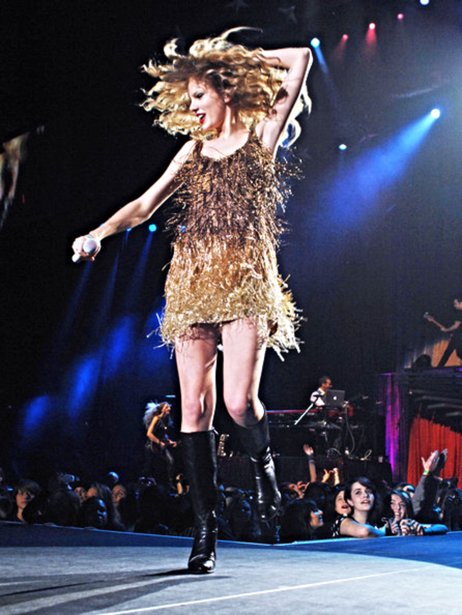 Gold Dress Taylor Swift Concert Taylor Swift Speak Now Taylor Swift Hair