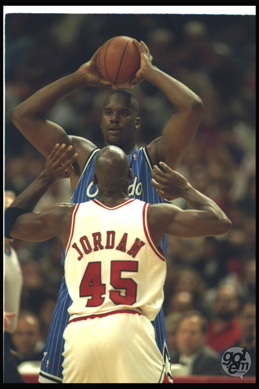 Guarding Shaq, '95. Shaquille o'neal, Sports basketball, Mic