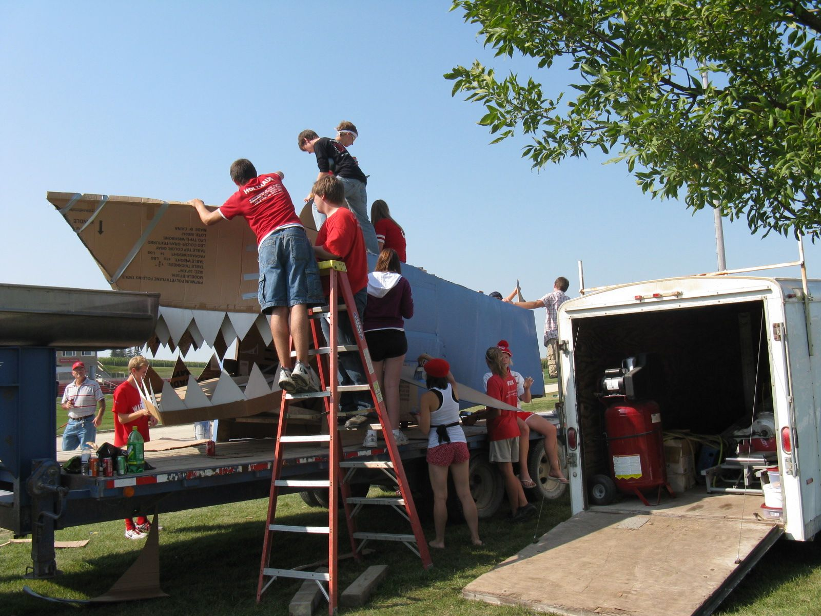 High Float Homecoming Floats For High School Float Building Home Coming