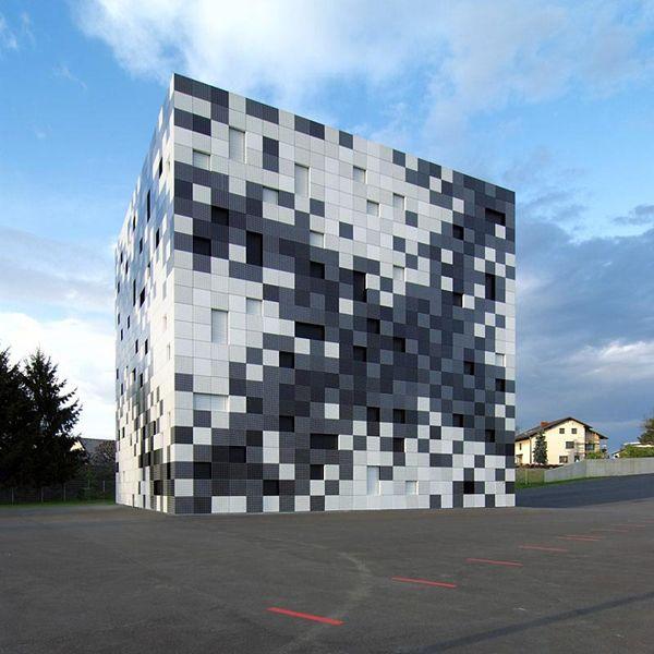 Пиксельные фасады общественных зданий фото