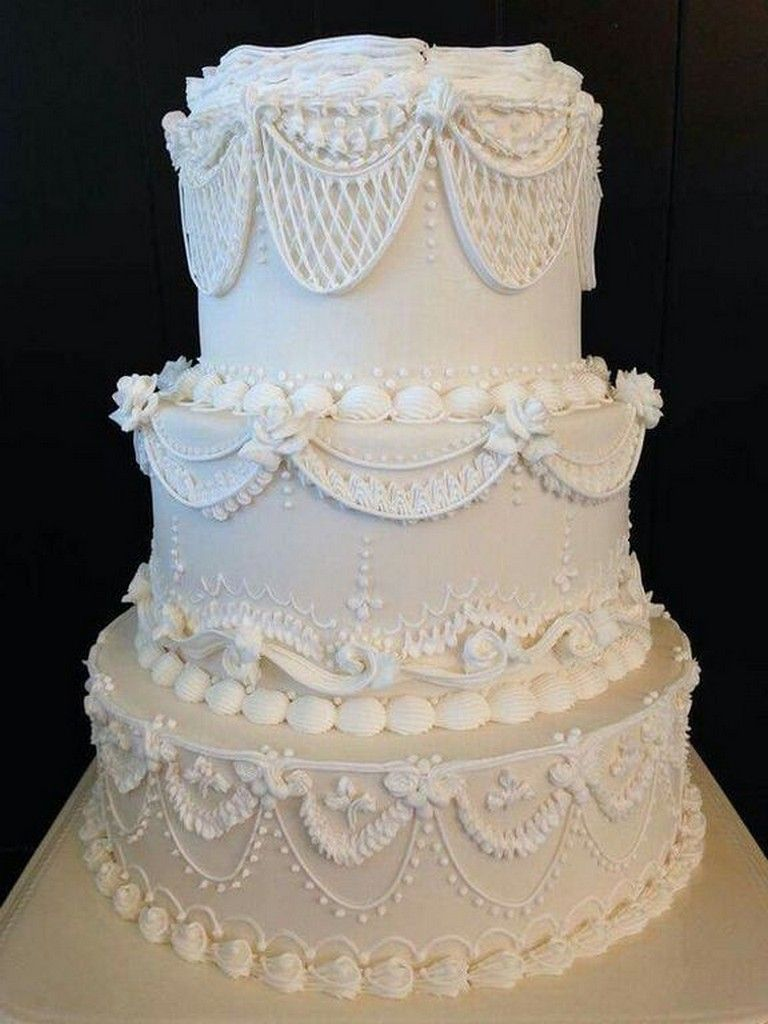 27 Cool Vintage Wedding Cake Ideas With Victorian Style Wedding Weddingcakes Weddingdecoratio Wedding Cake Piping Victorian Wedding Cakes Royal Icing Cakes