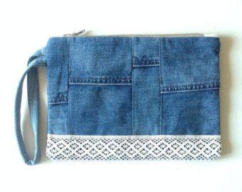 Ähnliche Artikel wie Tasche weiß Leinen und recycelten jeans auf Etsy