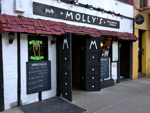 """Molly's - Restaurant Review  Known as New York's """"most authentic Irish Bars"""" if you're in the mood for some traditional pub grub and don't mind eau de Guinness wafting through the air then Molly's will hit the spot. Complete with a cozy fireplace and sawdust covered floor.   #RestaurantReview #ForkAndBib #KidFriendly #KidFriendlyRestaurant #NYCRestaurant #NYCKidFriendly #foodie #NYCRestaurants"""