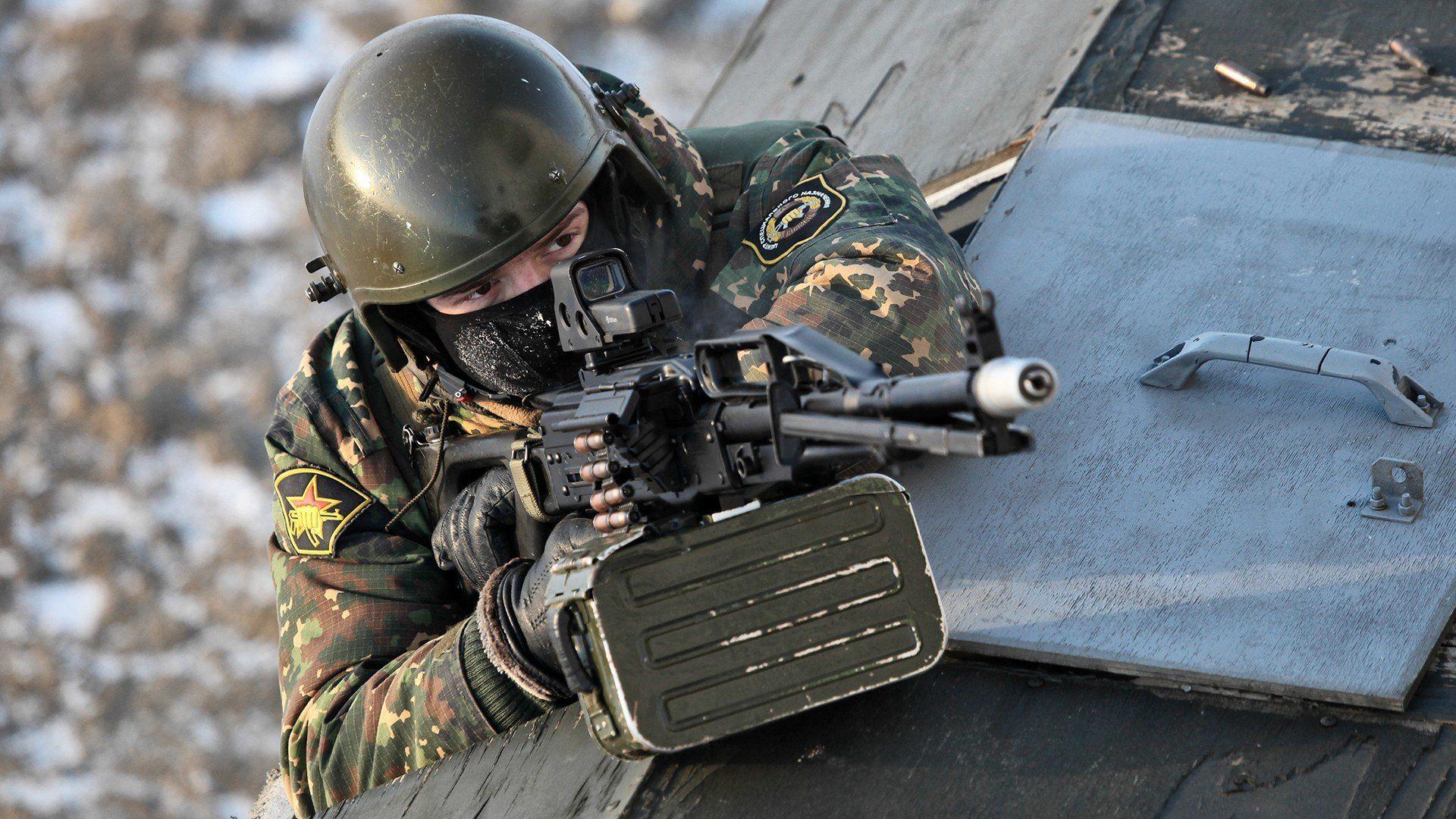 PKP Pechenegmachine GunsgunsweaponsSpetsnazRussian Armysoldiers Wallpaper