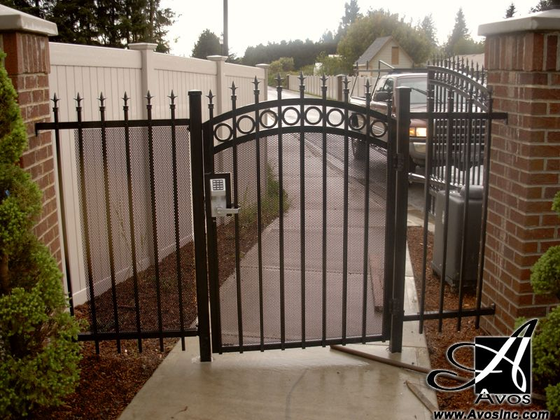 Man Gate With Push Code Lock Latch And Circle Rings With