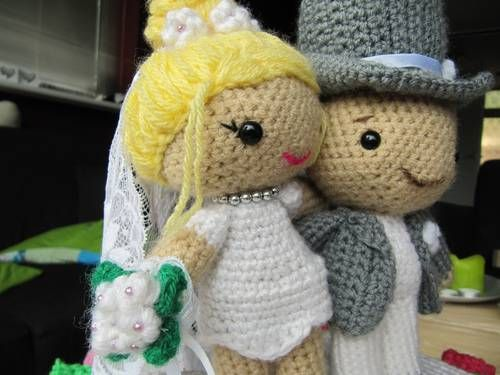 Crochet Wedding Cake Gift
