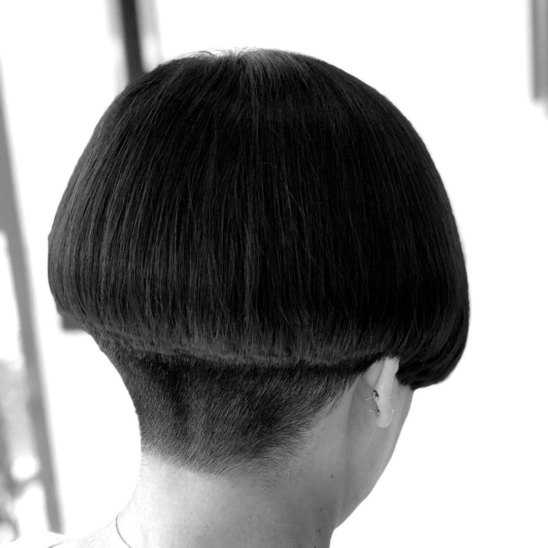 Miyoko Dab ショートヘア ウルフヘア ケアブリーチさんはinstagramを