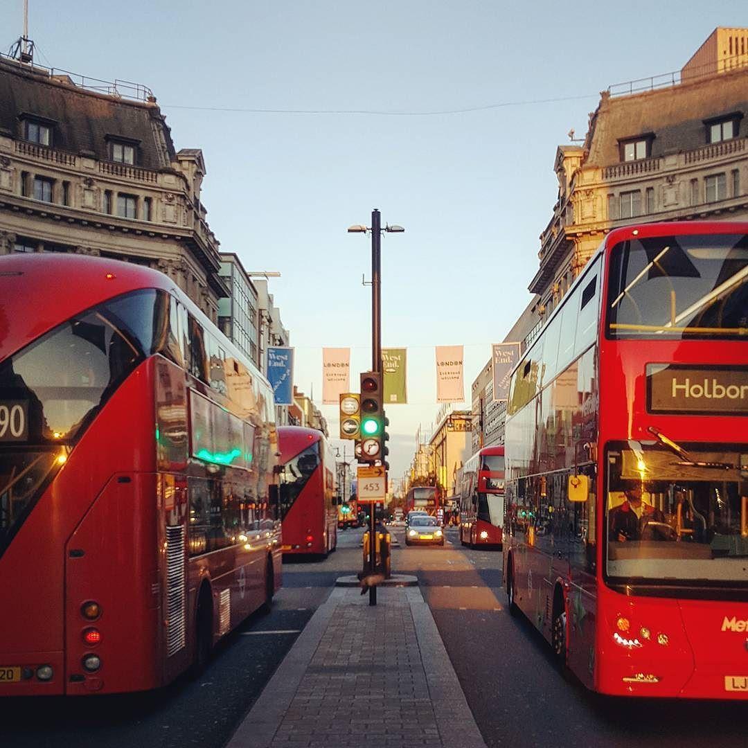 صباح الخير هنا لندن الصورة من تصوير Faisal Irshaid لندن بي بي سي بي بي سي عربي صباح الخير الجمعة بريطانيا Bbcarabic L Street View Scenes Instagram
