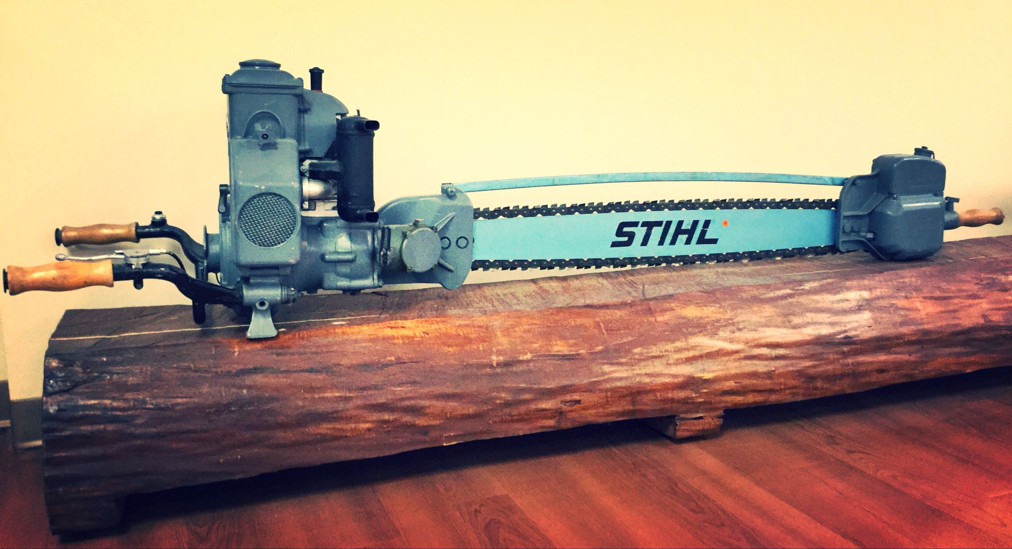 STIHL's first two-man chain saw model  | chainsaws in 2019