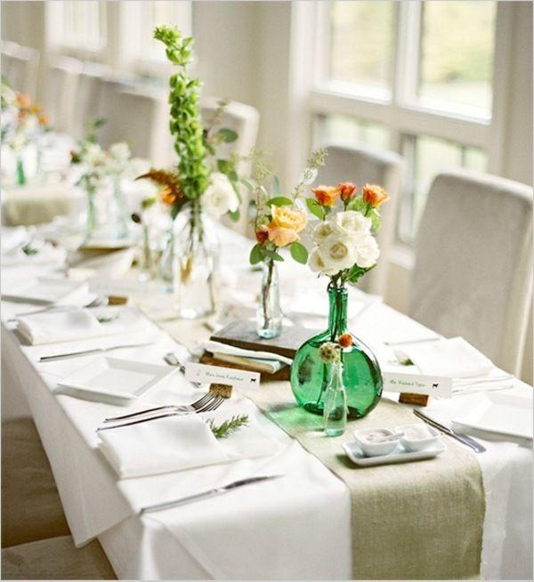 Schön Festliche Tischdeko Idee Grüne Vasen Blumen