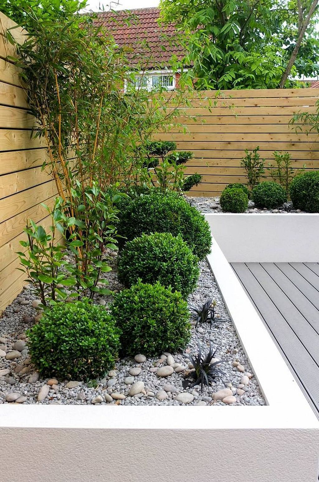 Admirable Gardens For Amazing Small Spaces Low Maintenance Garden Small Garden Design Small Gardens