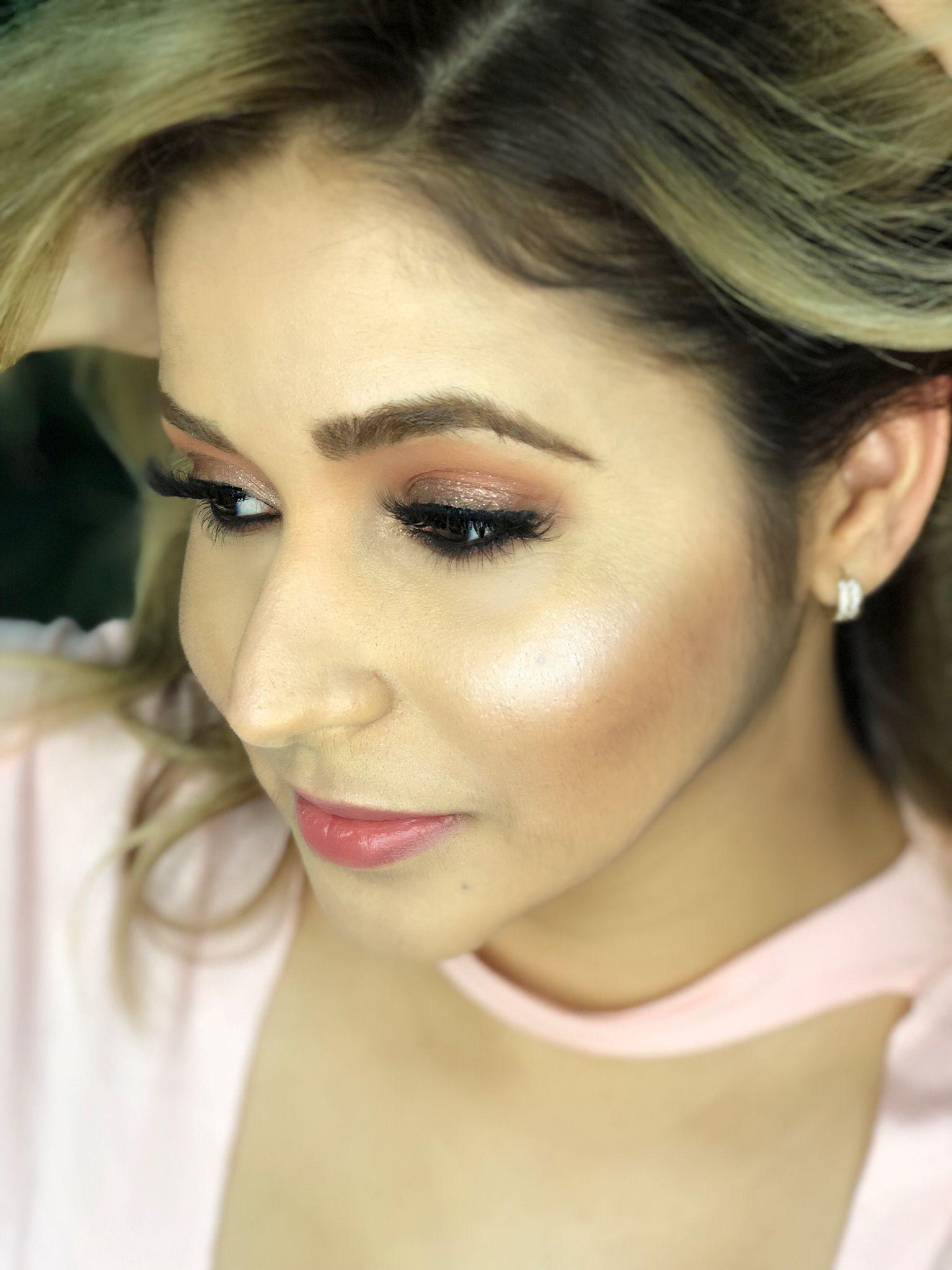 Diseño de color de cabello, maquillaje jkharyn Panamá