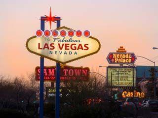 Las Vegas, every 21+ person's dream. | Las vegas, Las ... What Happens In Vegas Song