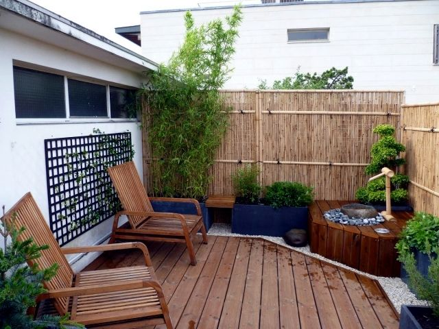 Bamboo Balcony Privacy Screen Ideas With Plants Carpets And Bars Balcony Privacy Apartment Balcony Garden Patio Privacy