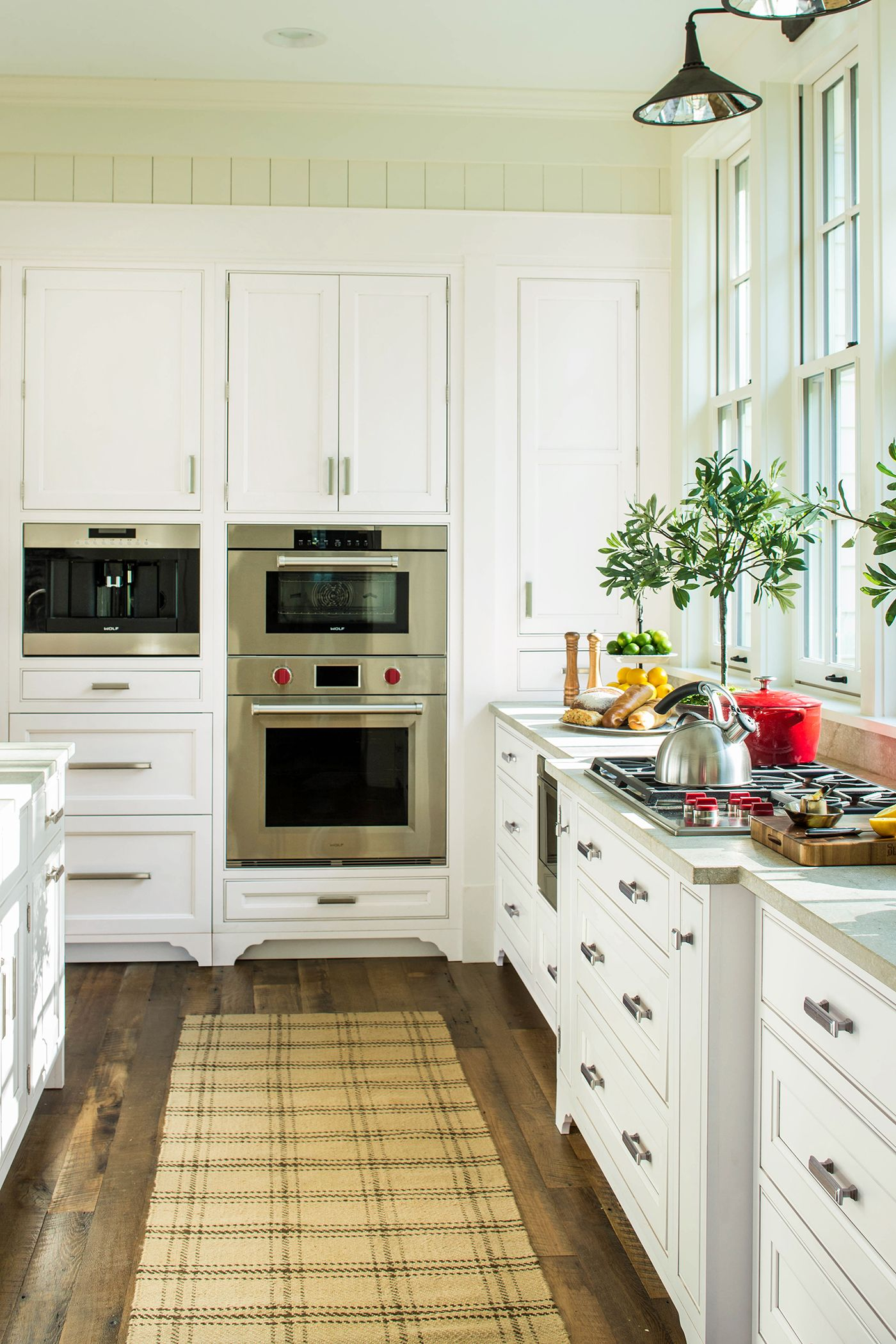 Best White Wellborn Cabinetry In The 2015 Southern Living Idea 400 x 300