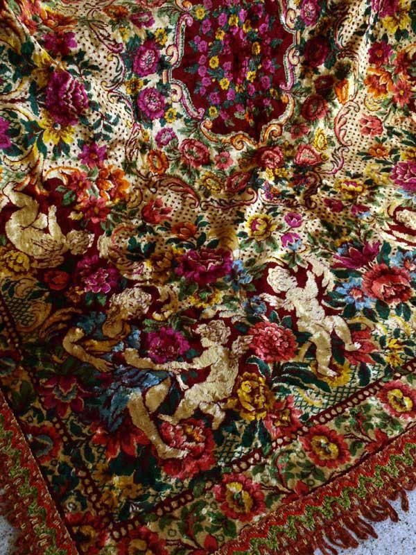 Etsy のGypsy Bohemian Boho Chic Bedspread Italian Cut Velvet Cherub Tapestry  Coverlet Bedding Vintage /