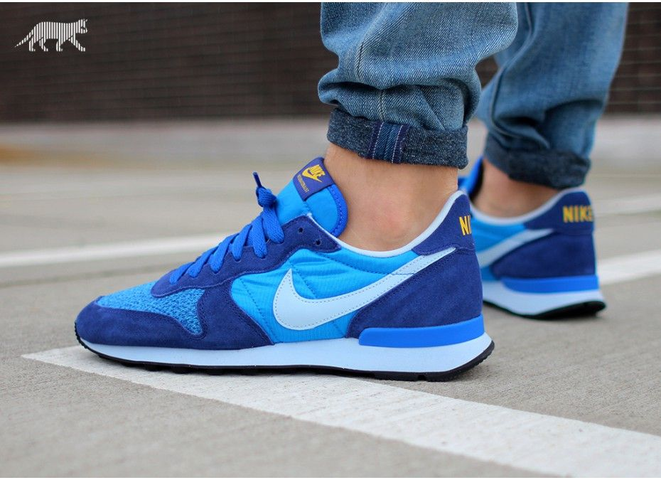 superior quality 8c752 56507 ... Nike Internationalist (Photo Blue   Antarctica - Deep Royal Blue) ...