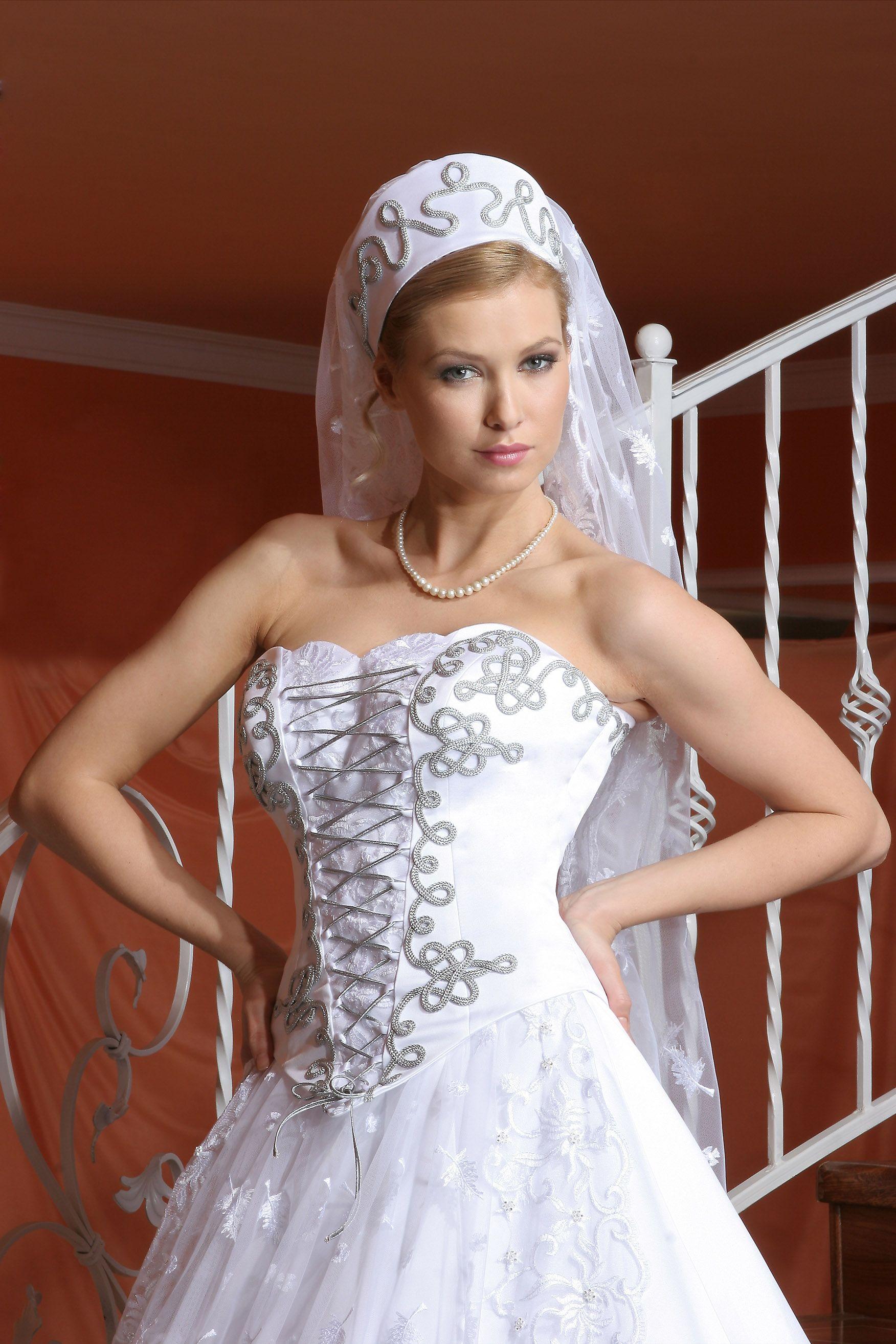 b22077e1ae Erika Esküvői Szalon Gyömrő (eskuvoiszalon) a Pinteresten