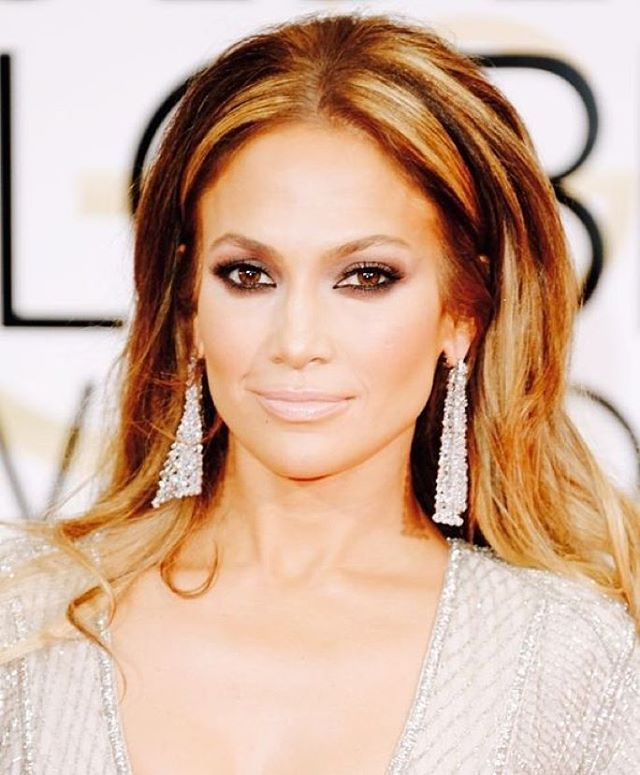 Get the look! @jlo #pretty #blushingtonapproved  For eyes : use onyx kajal by @stilacosmetics for eyeliner, coco by @stilacosmetics eye shadow with vita by @Juliehewett shadow . Use maple by @jouercosmetics shadow on lower lash line to smudge in the eyeliner. Use@ Kevynaucoin essential mascara to get thicker lashes.  For lips : evermore by @kevynaucoin , skip the liner and add @jouercosmetics essential lip gloss for shine  Bronzer: use shadow and light bronzer by @beccacosmetics  Highlight…