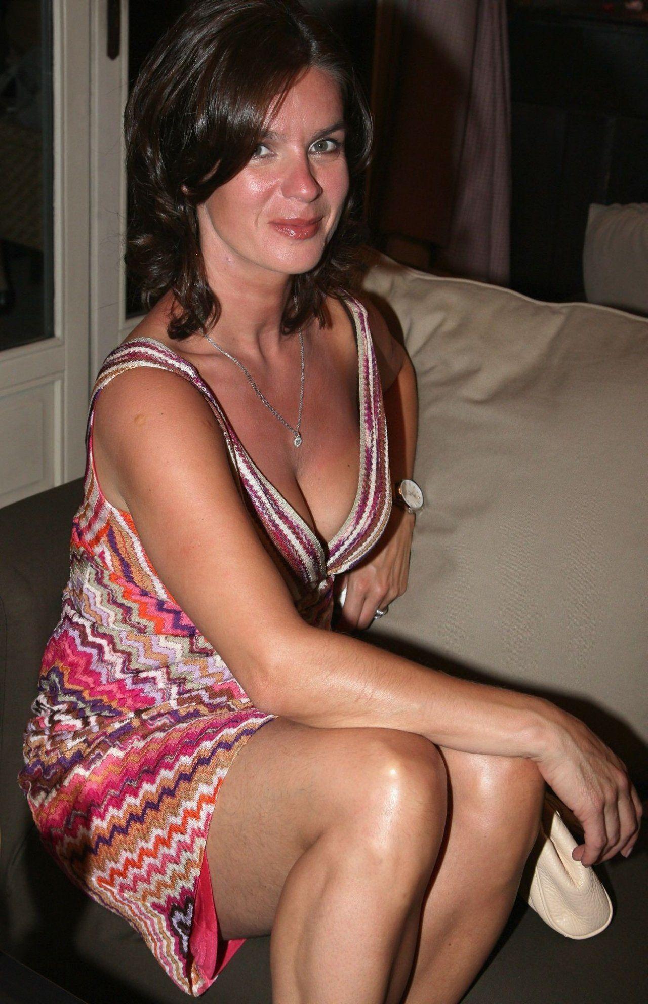 Sexy hot nude dubai