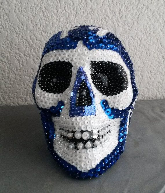 0aed73c5bd63 Calavera Lentejuela y Chaquira Mascara Azul por CalaveraLentejuela ...