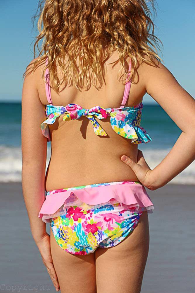 Little girl in bikini rear view