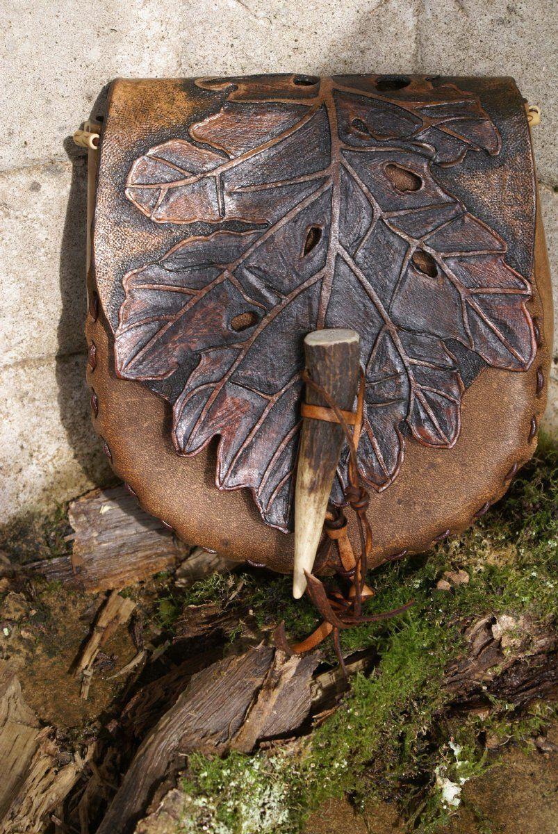 http://www.skyravenwolf.com/images/uploaded/big_images/137--brown%20oak%20leaf%20belt%20pouch.jpg